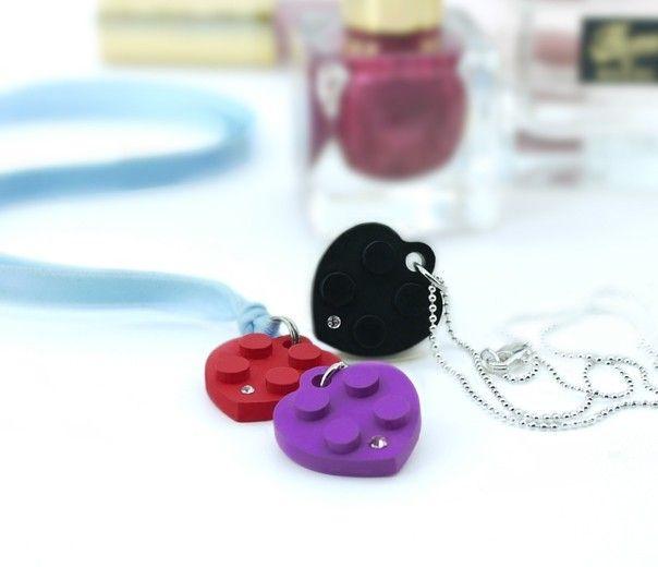 Collier avec pendentif coeur style Lego + Swarowski