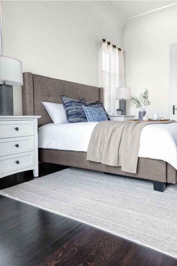 Bedroom With Grey Upholstered Headboard New Grey Upholstered Platform Bed Tufted Fab In 2020 Interior Design Living Room Warm Minimalist Living Room Luxurious Bedrooms