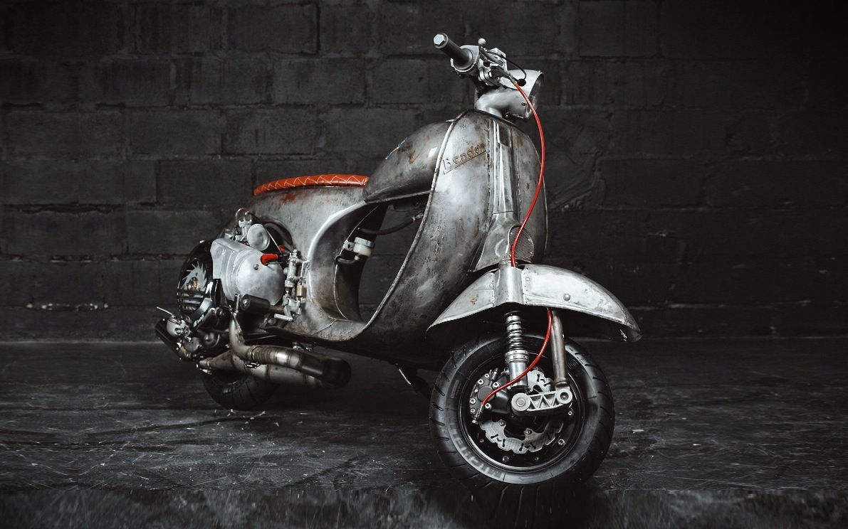 Custom vespa from st petersburg something unusual for Vespa cafe racer