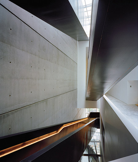 Cincinnati Contemporary Arts Center interior stairs By Zaha Hadid