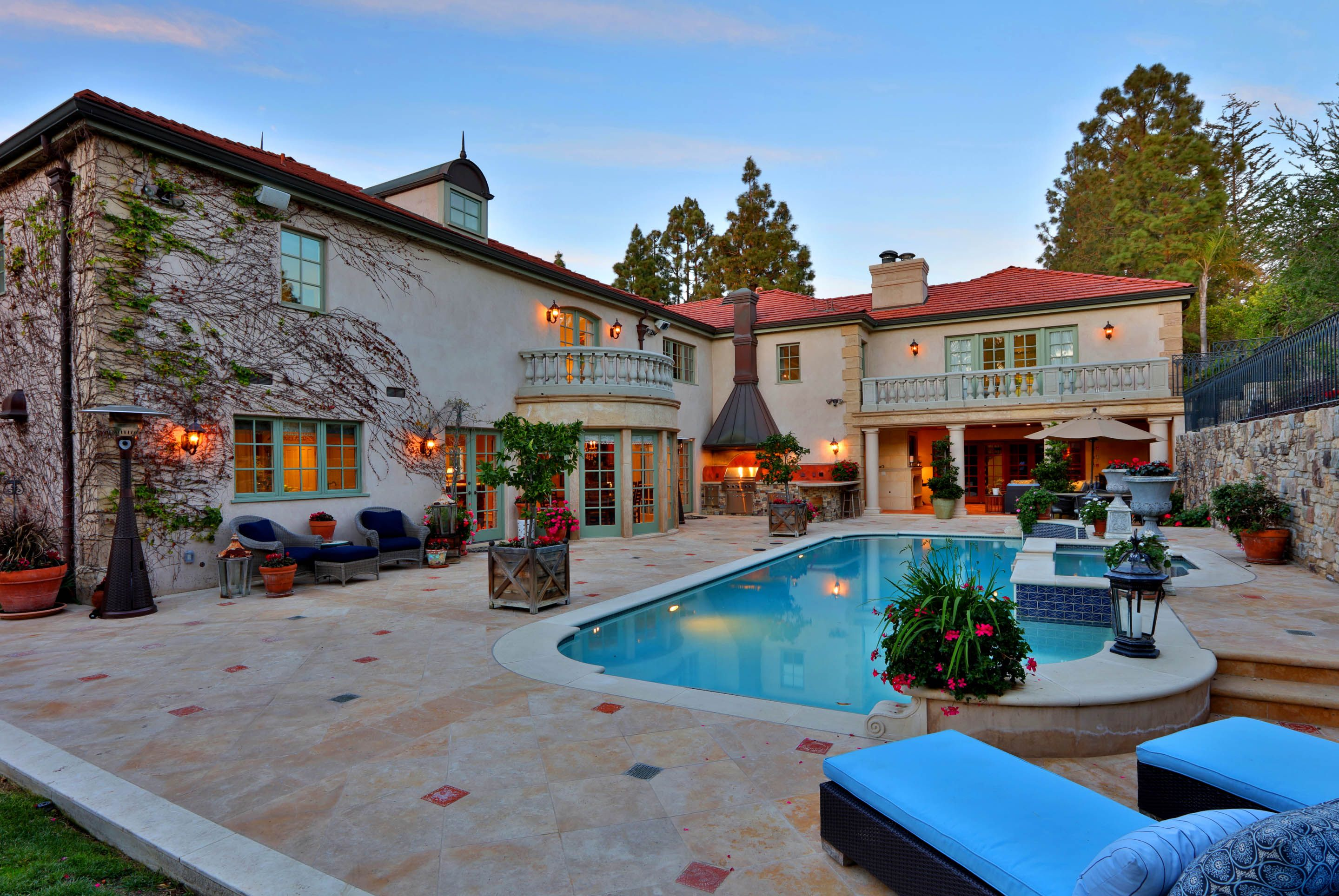 In Ground Swimming Pool W Stone Deck Private Backyard Pool Houses Luxurious Backyard Stone Deck