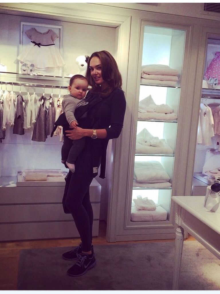 Tamara and Sophia shopping/ instagram tamaraecclestoneofficial