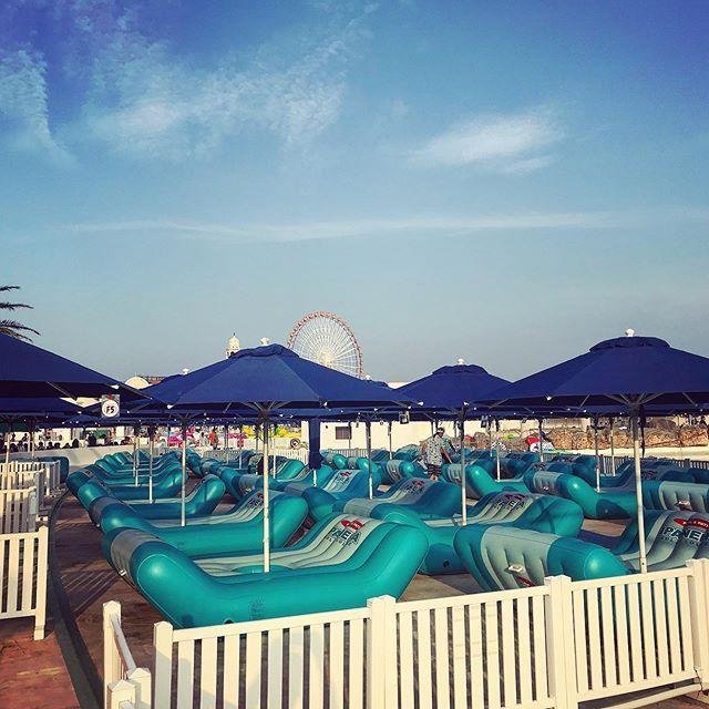 #ipanema #beachchair #umbrella #sun #sky #blue #sun #sunset #beach #pool #japan #now #lagunapools  #...