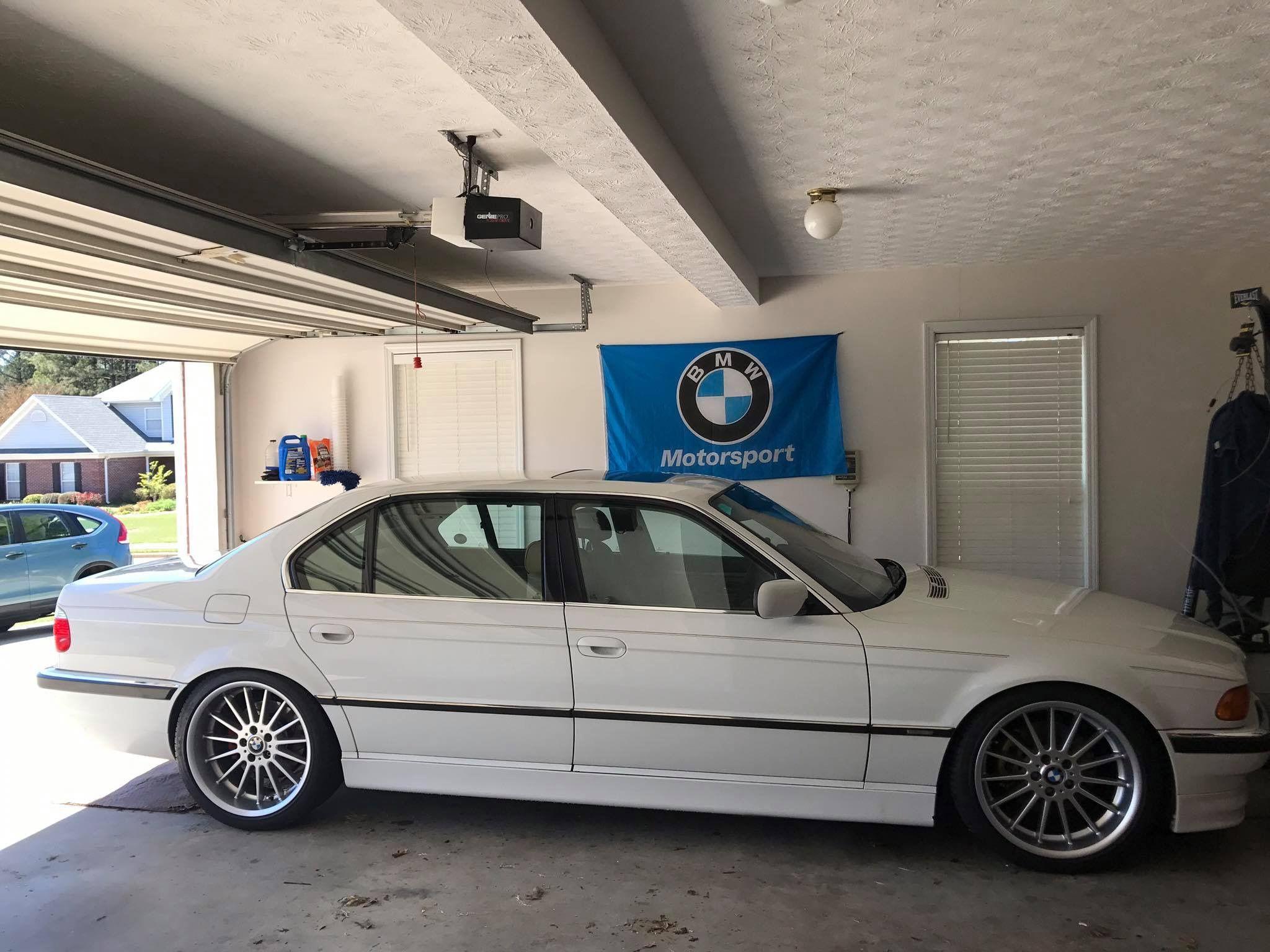 Bmw E38 Alpine White With Style 32 20 Bmw E38 Bmw 740 Bmw Classic