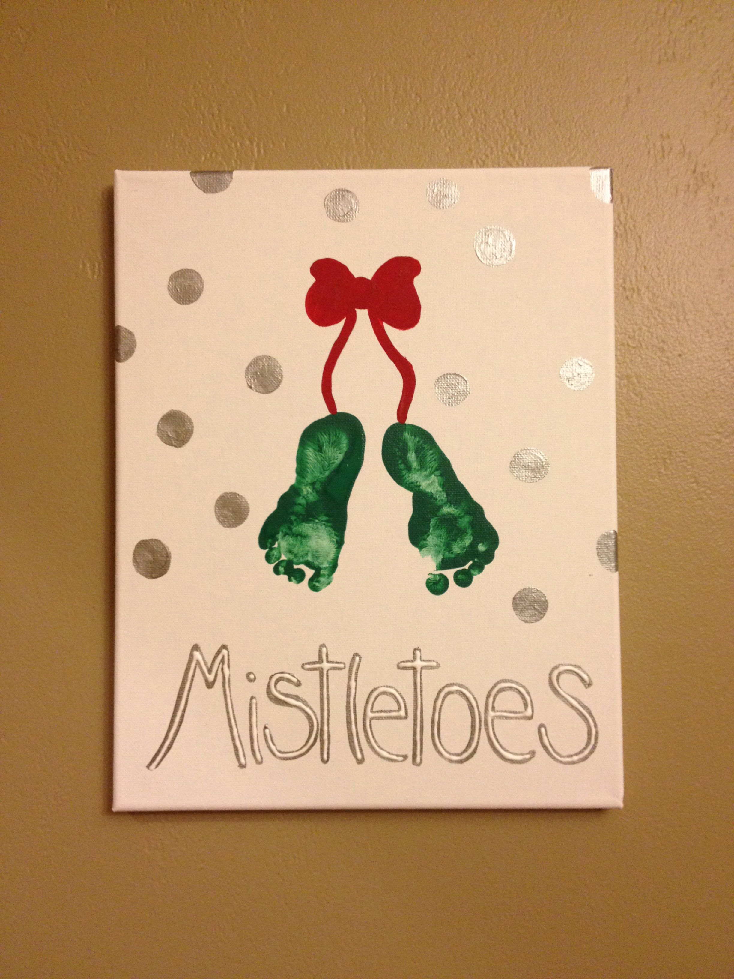 Baby's first Christmas, little mistletoes #mistletoesfootprintcraft