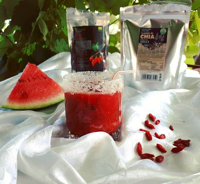 veselie in bucatarie: Smoothie de vara gata in numai 5 minute