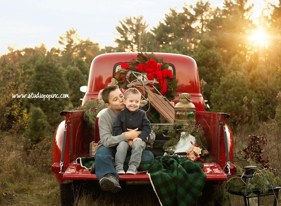 Tree Farm Mini Session Christmas Photoshoot Vintage Truck Christmas Family Christmas Pictures
