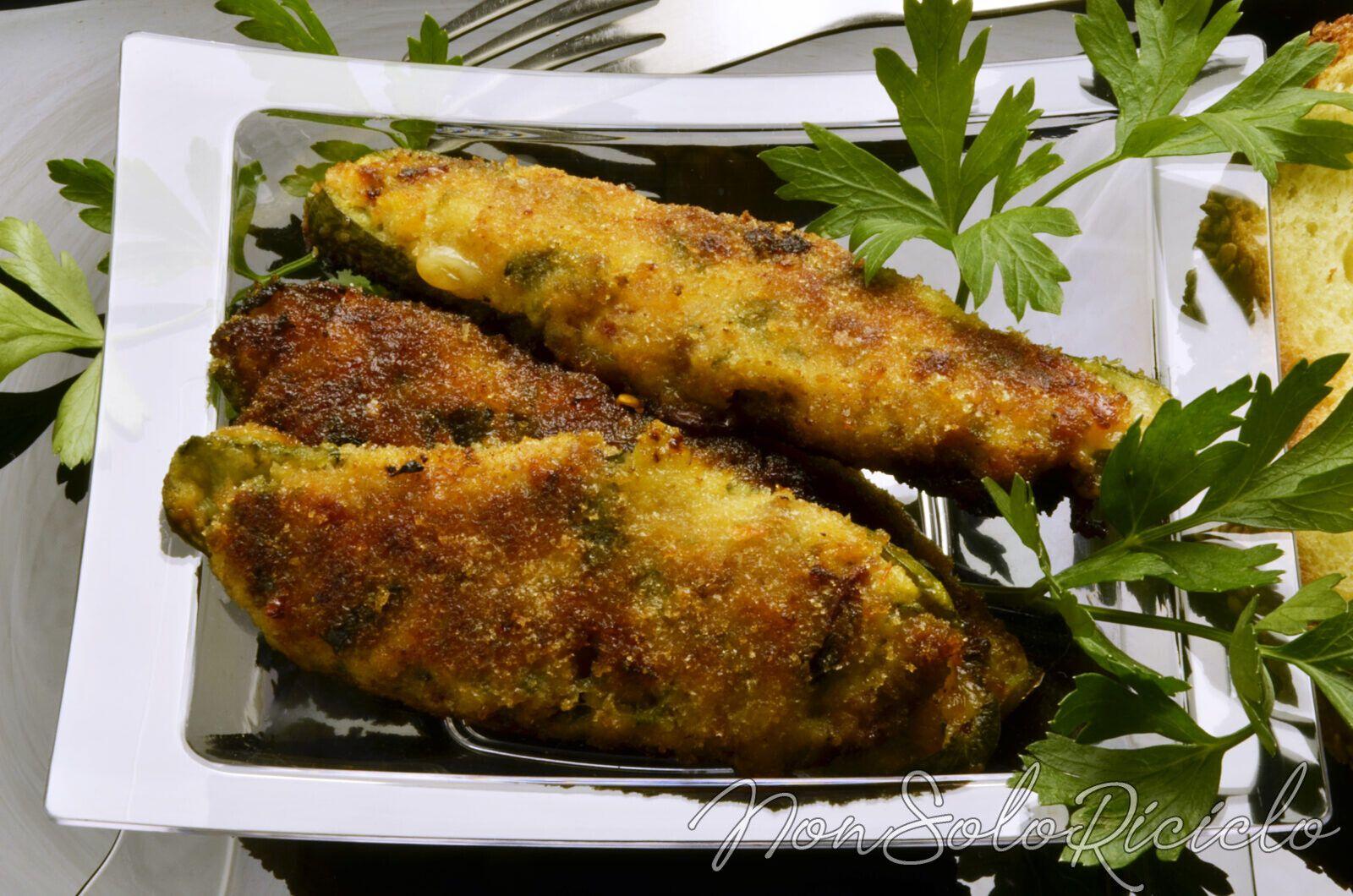 Zucchine ripiene al formaggio e prosciutto: Molto meglio dei cordon bleu!
