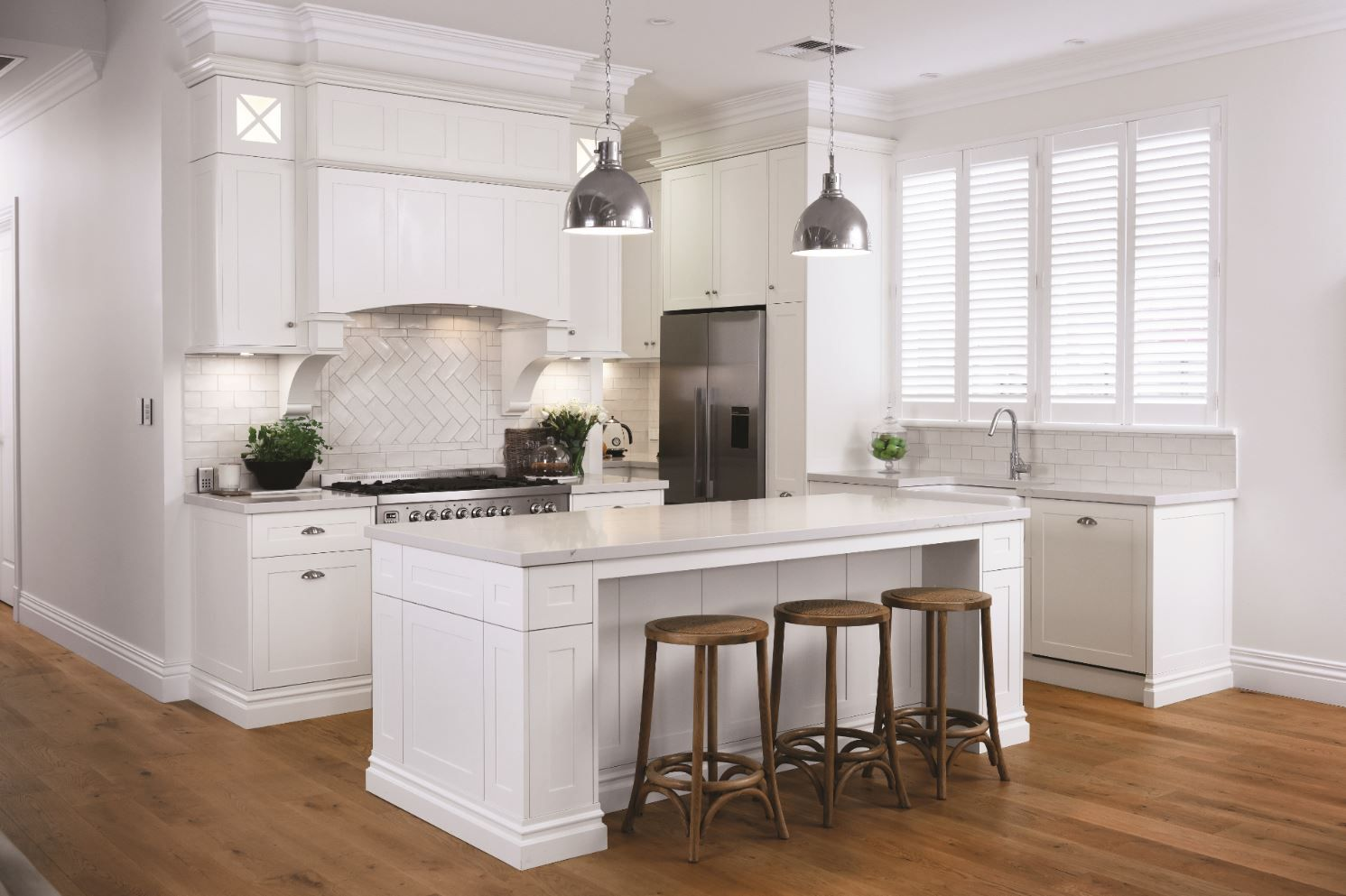 Gorgeous Classic Hamptons Kitchen designed by Alby Turner & Son ...