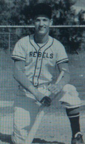 Phil Robertson he used 2 play baseball WOW!!!!!!!!!! I ...