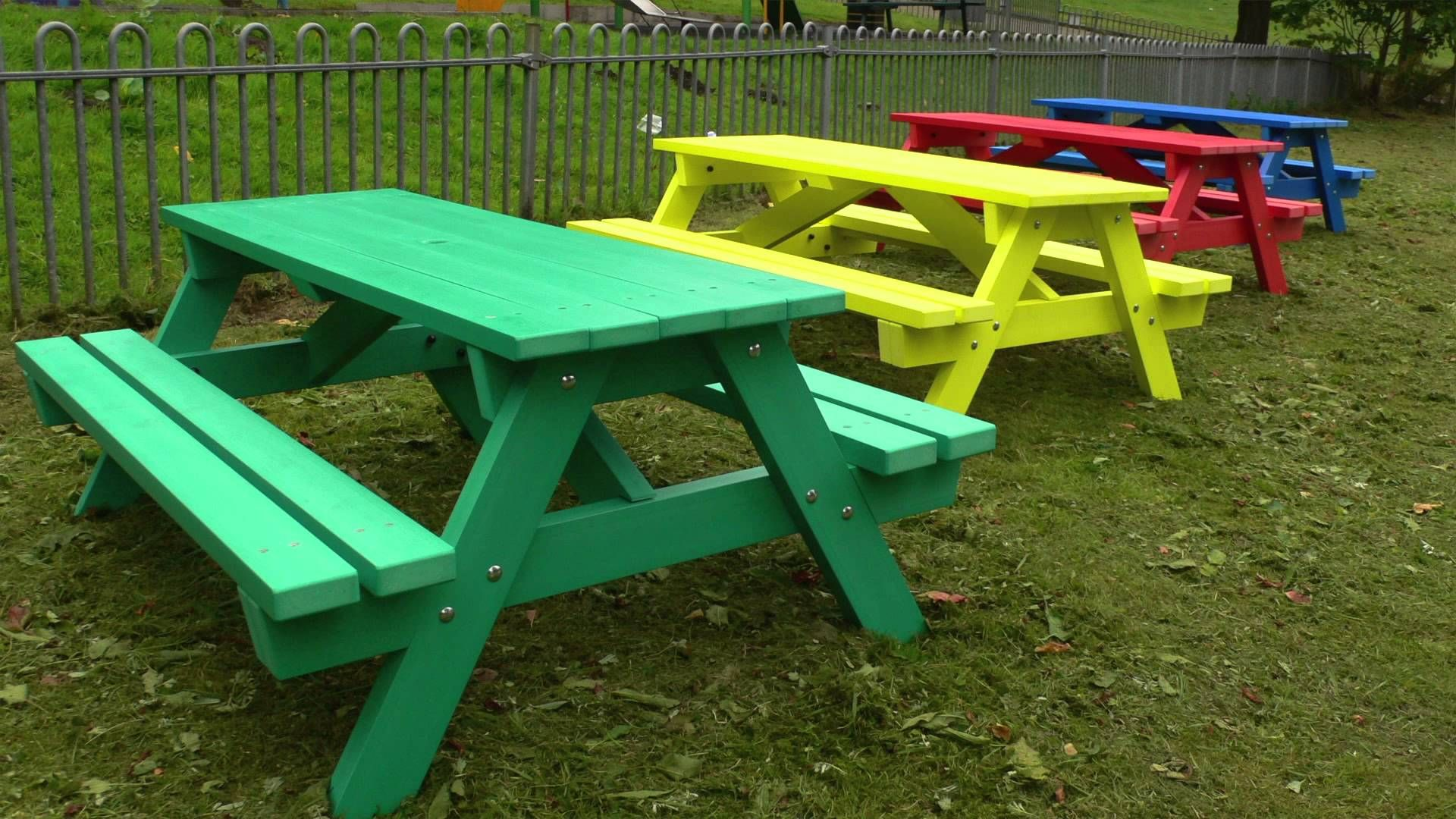 The derwent junior picnic table is ideal for schools and nurseries maintenance free never rots looks good throughout its long life up to 80 reduced whole