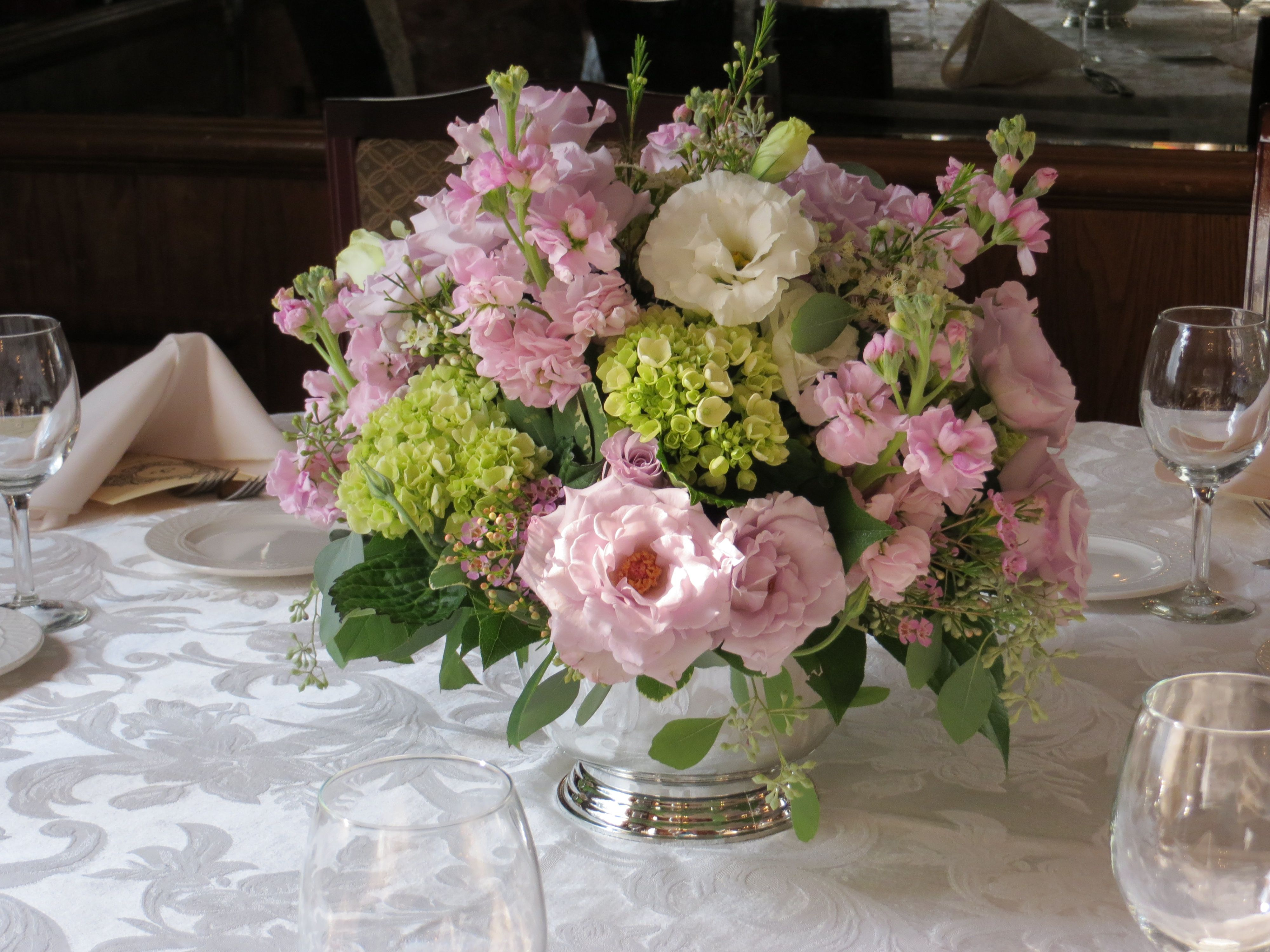 Table arrangement. mainstreetnursery weddings