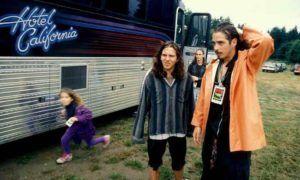 Eddie Vedder Holding Chris Cornell's Child Will Soften Your Coronary heart Various Nation (weblog)