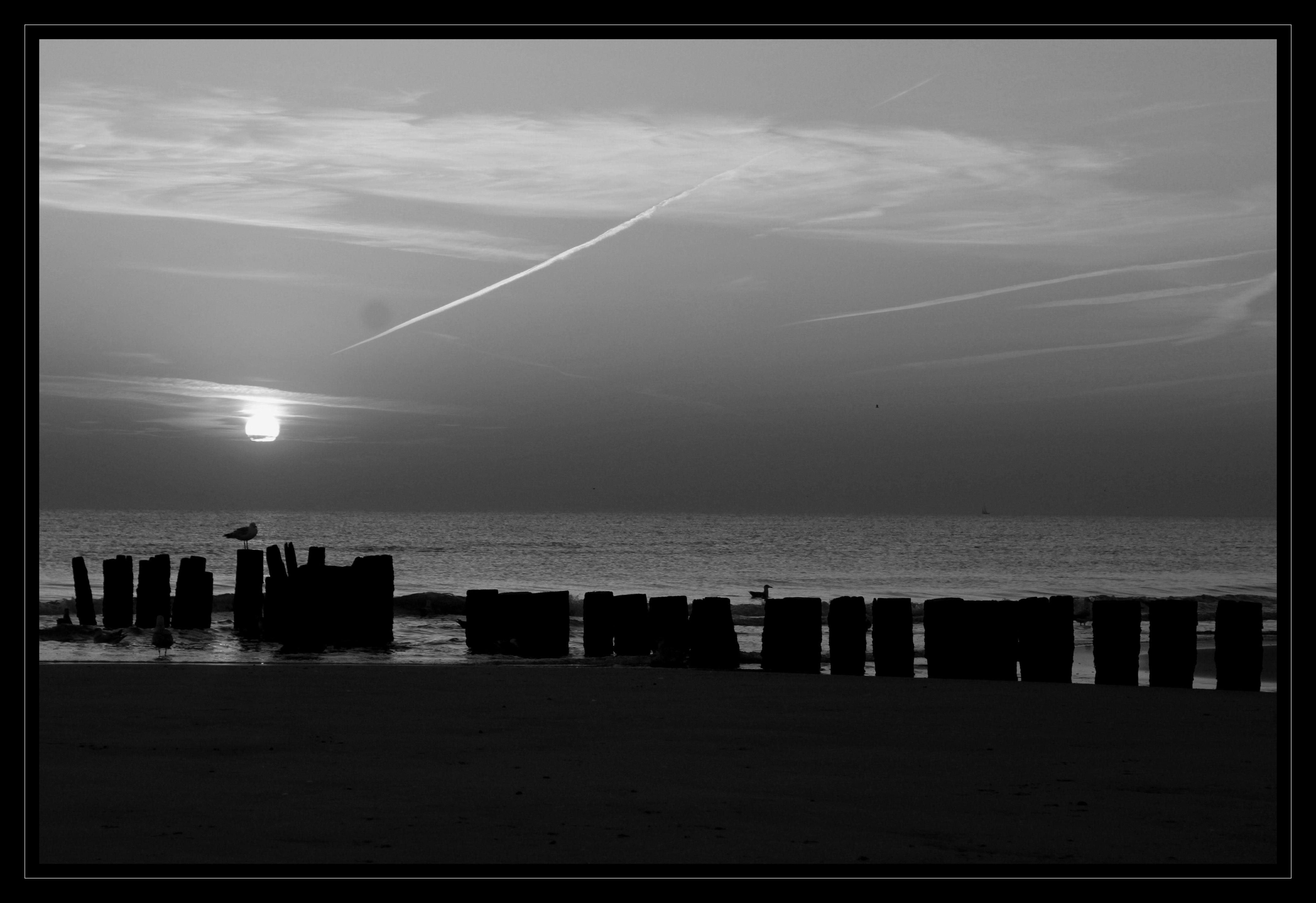Hargen aan Zee at sunset.  #hargenaanzee #hargen #schoorl #atsea #aanzee #zonsondergang #sunset