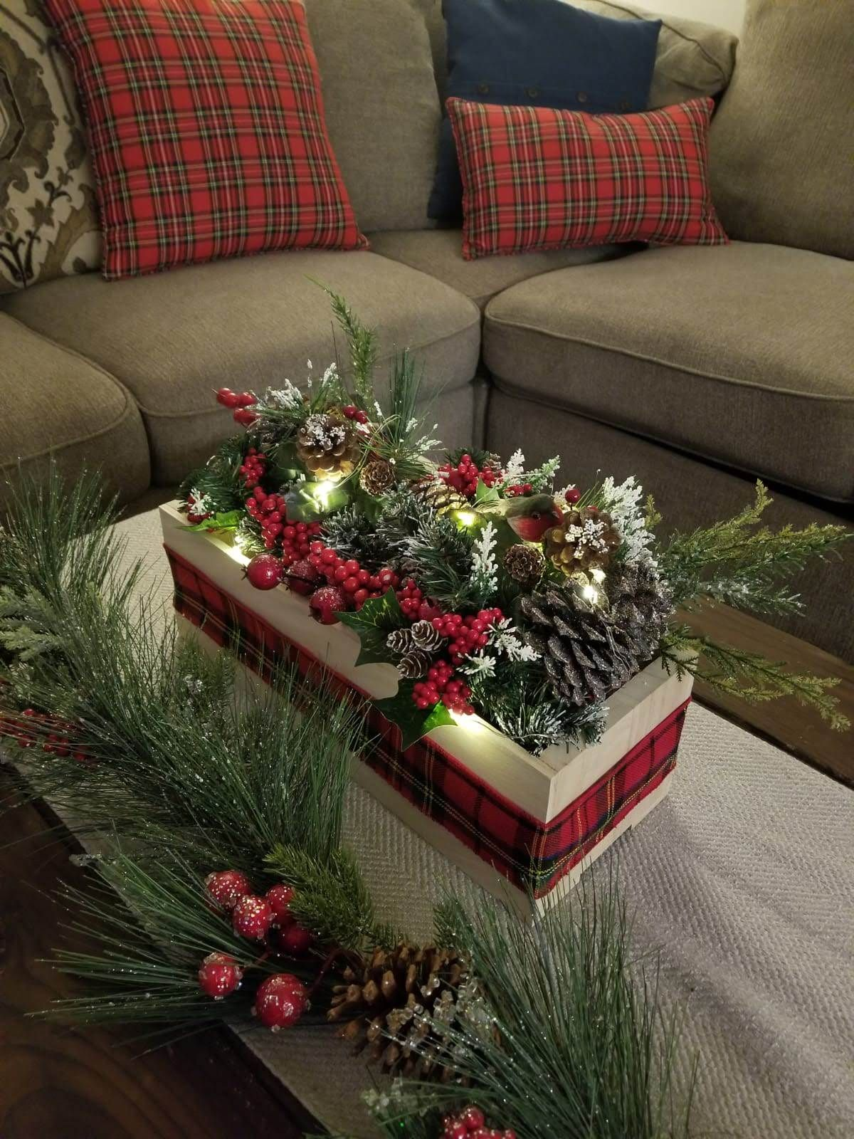 Make your own Christmas Centerpiece Christmas