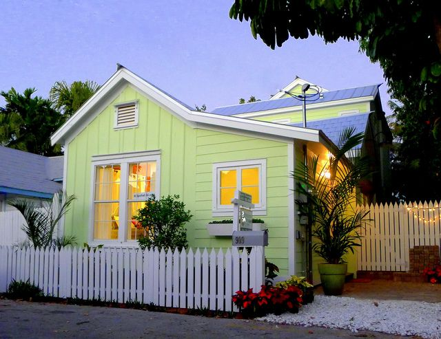 Upstairs Color Galv Metal Roof Cottage Exterior Exterior Paint Colors For House Beach Cottage Style