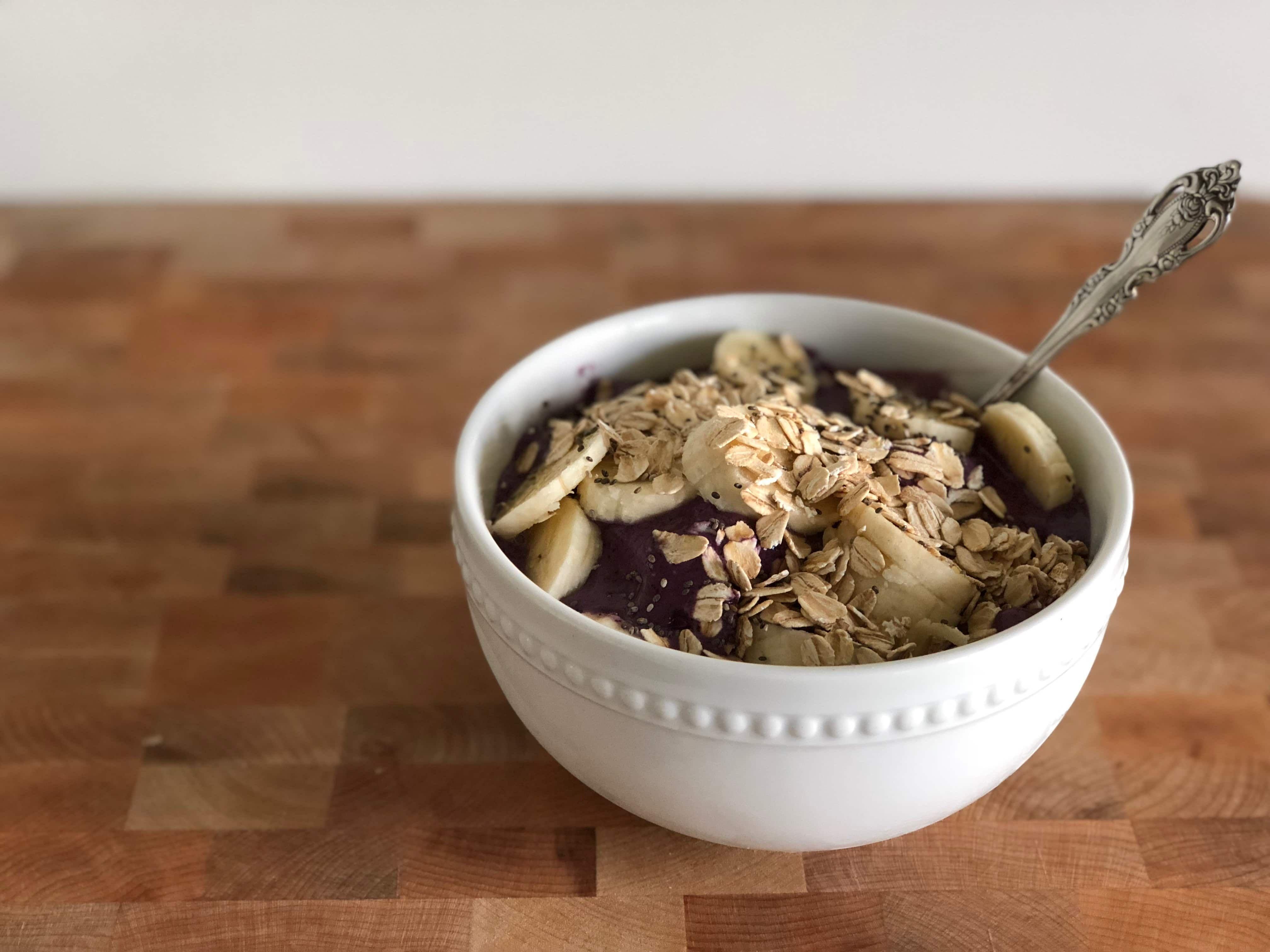 Blueberry pie oatmeal smoothie bowl recipe easy