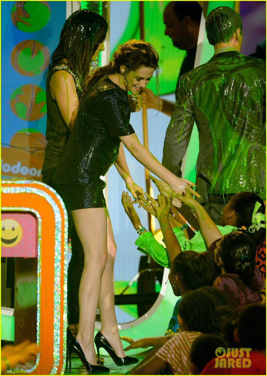Kristen Stewart: Slime Victim at Kids' Choice Awards 2013!