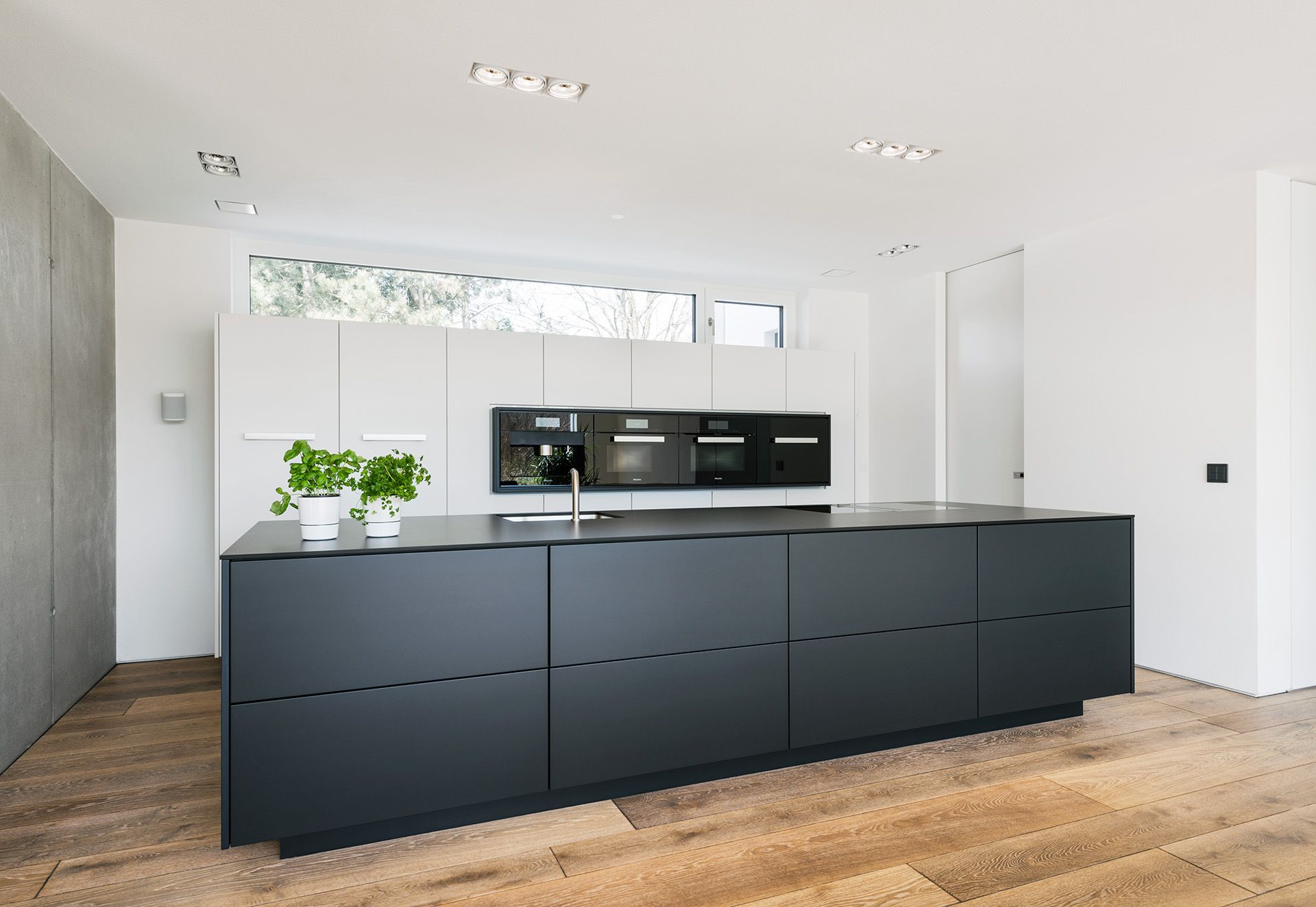 Küche SchwarzWeiß  kitchens  Pinterest  Kitchens Haus and