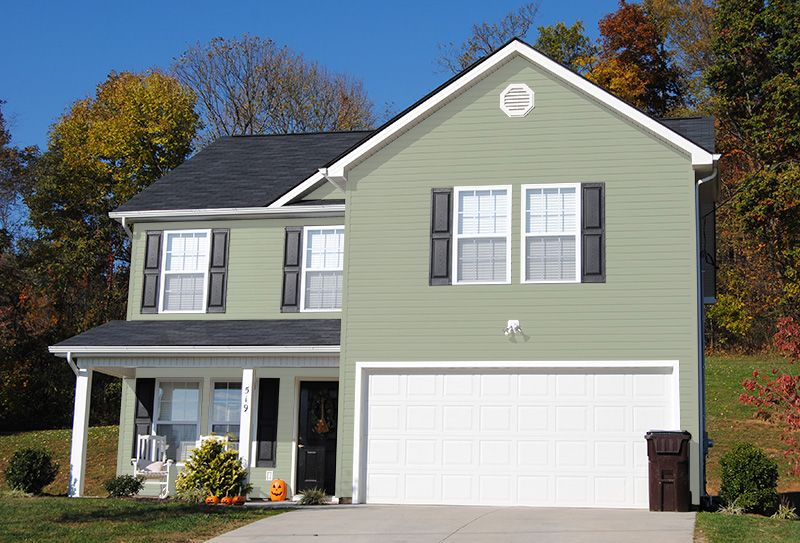 Front. The exterior needs to be redone in white stucco ... |Spanish Black Trim