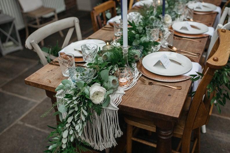 Christmas Table Decoration Macrame Runner Boho Wedding Decor With Images Boho Wedding Decorations Macrame Wedding Backdrop Wedding Runner