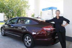 Celebrities Who Drive Hondas In Los Angeles La Honda World Blog Honda News Articles Celebrity Cars Hydrogen Car Jamie Lee Curtis