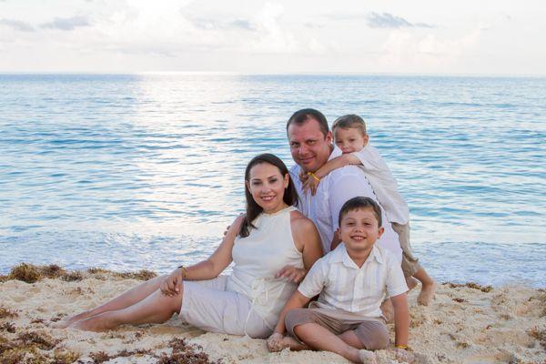 Sesiones familiares en la playa cancun playa del for Apartahoteles familiares playa