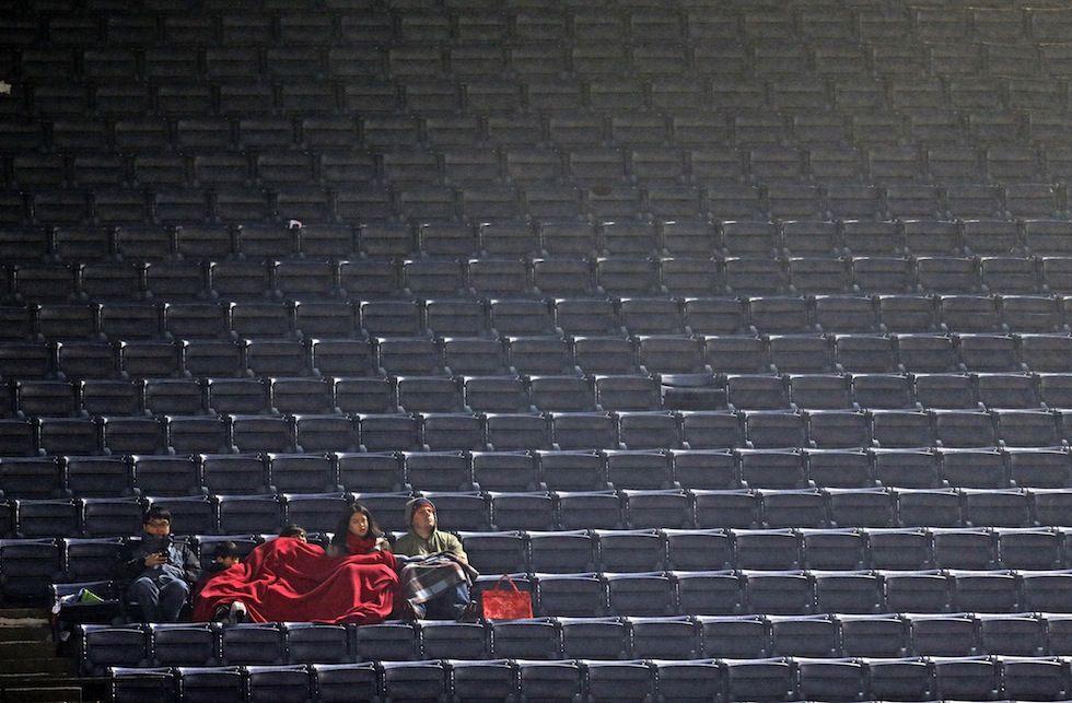 venerdì 5 aprile 2013 | Atlanta, Georgia, USA -  AP Photo/David Goldman - Il pubblico negli spalti più in alto della partita di baseball tra gli Atlanta Braves e i Philadelphia Phillies.