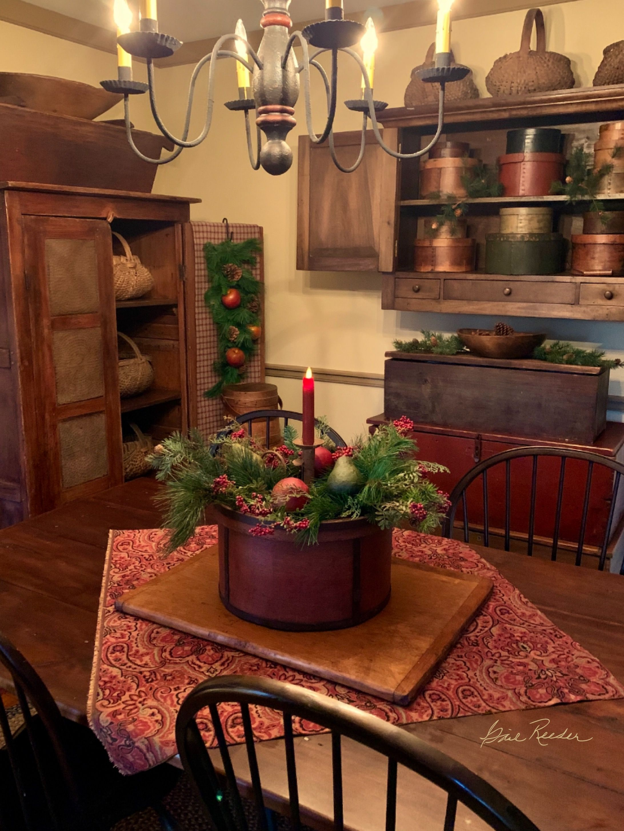 Tante S Fr Loves This Primitive Dining Rooms Primitive Decorating Country Primitive Living Room