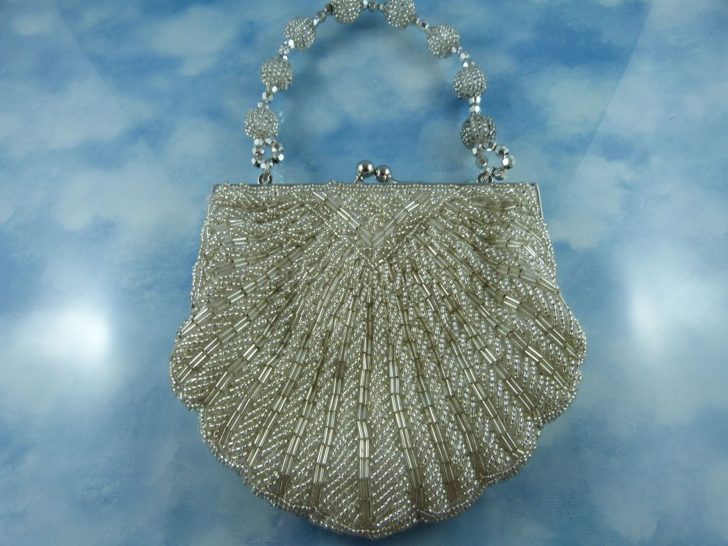 Gorgeous Mid Century Cream/Silver Beaded Bag In Shell Pattern