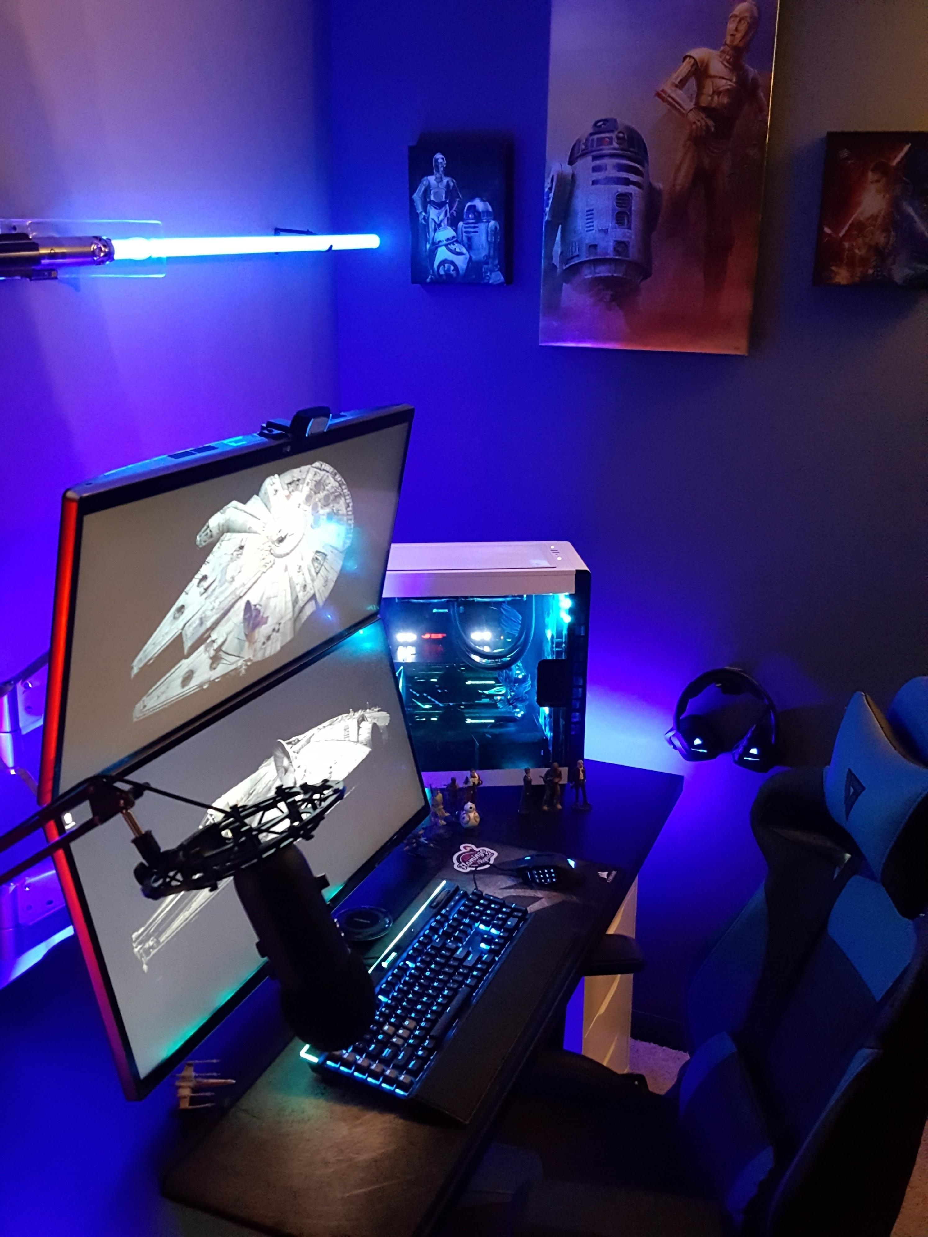 http://ift.tt/2sOz9Nr Half of the star wars themed Office