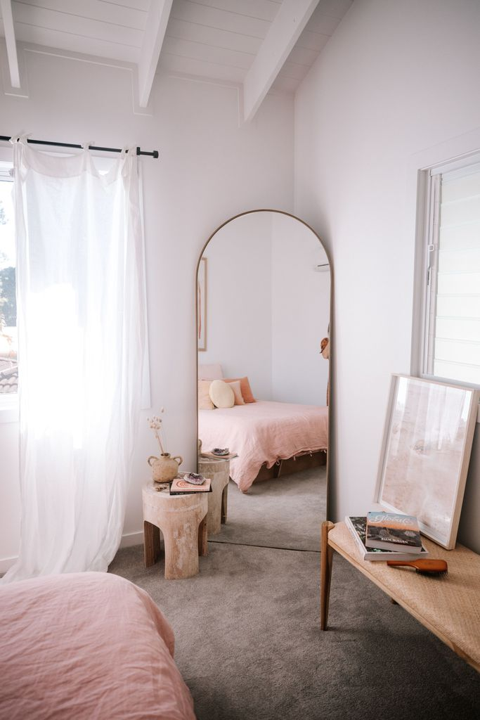 9 Dreamy Full Length Mirrors for Your Outfit Shots