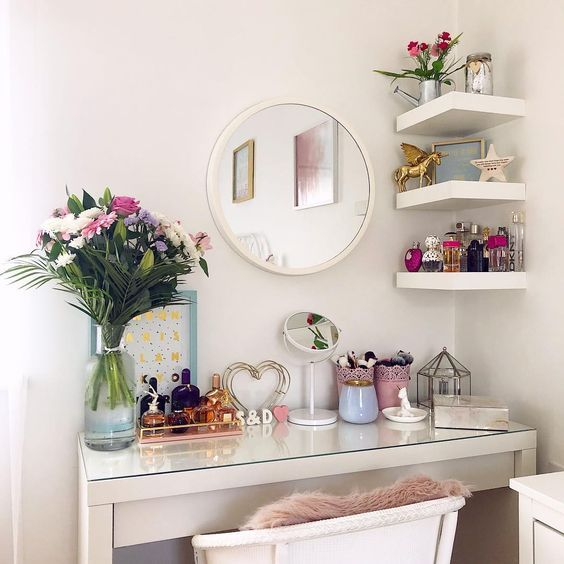THE DRESSING TABLE IS EXTREMELY IMPORTANT FOR GIRLS WHO LOVE BEAUTY - Page 27 of 71 images