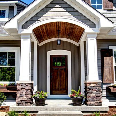 A Very Cool Pair Of Pillar House Designs Exterior House Exterior Exterior House Colors