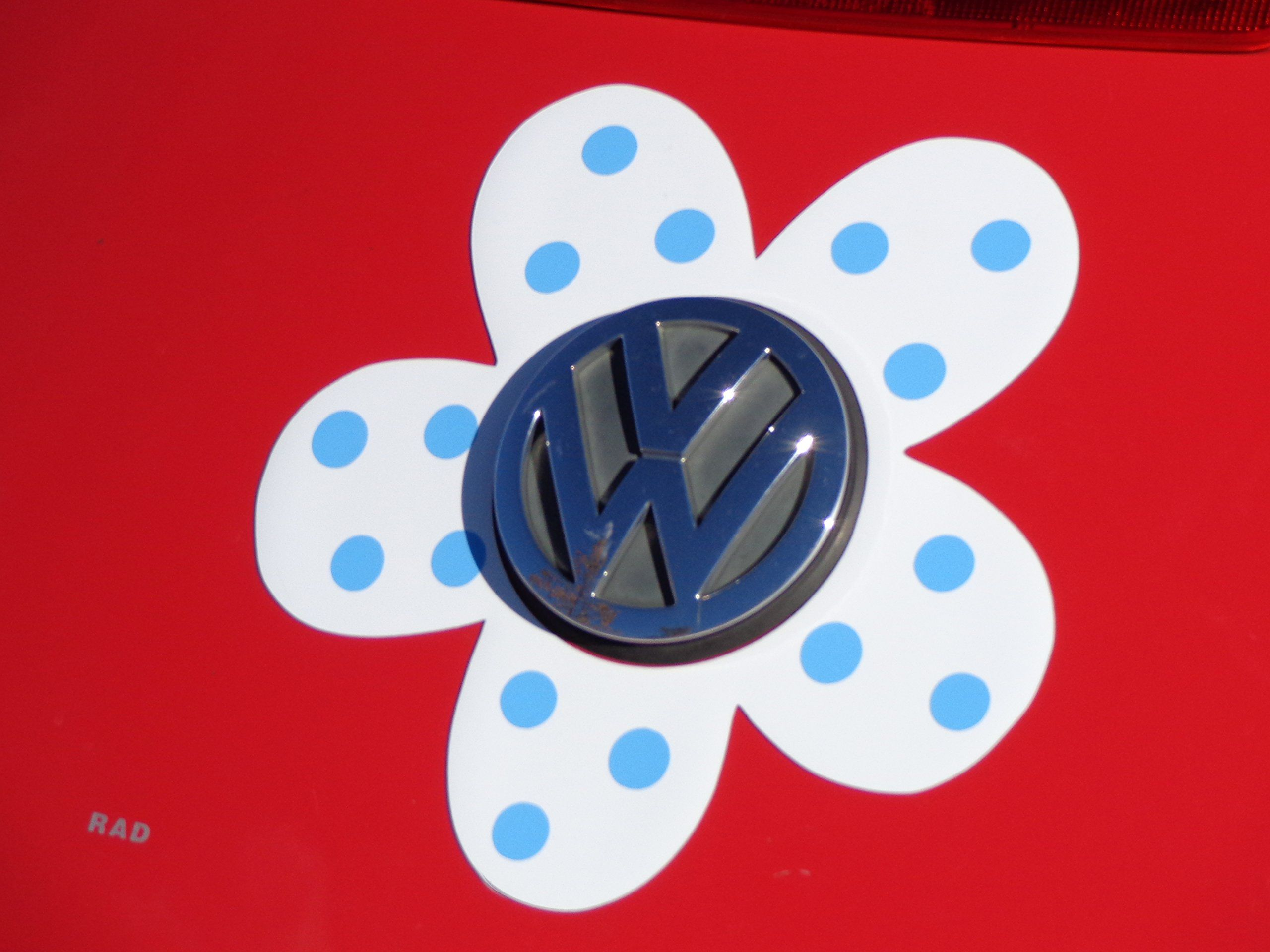 Magnetic VW Beetle Decal Light Blue Polka Dot Daisy Bling My - Magnetic car decals flowers