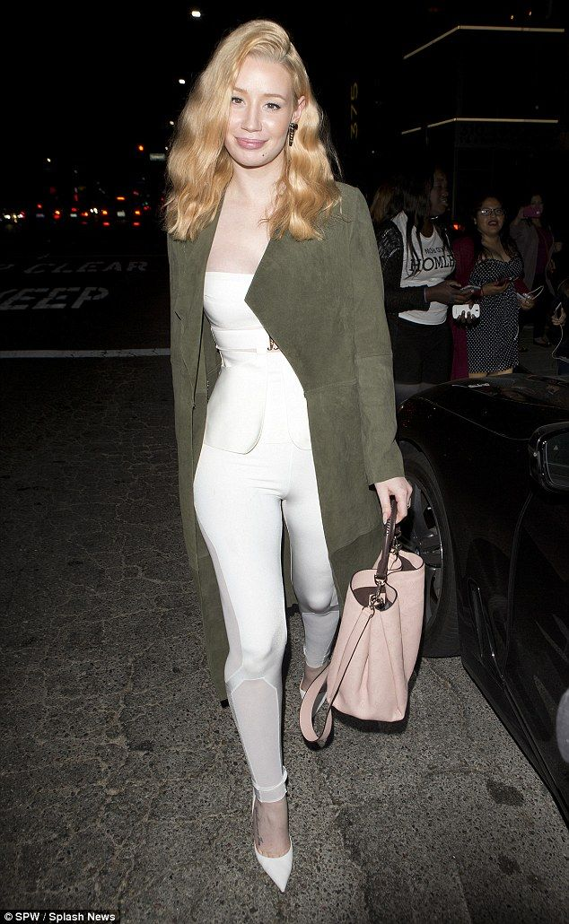 Iggy Azaleas Hair Caught Fire During Valentines Day Meal With