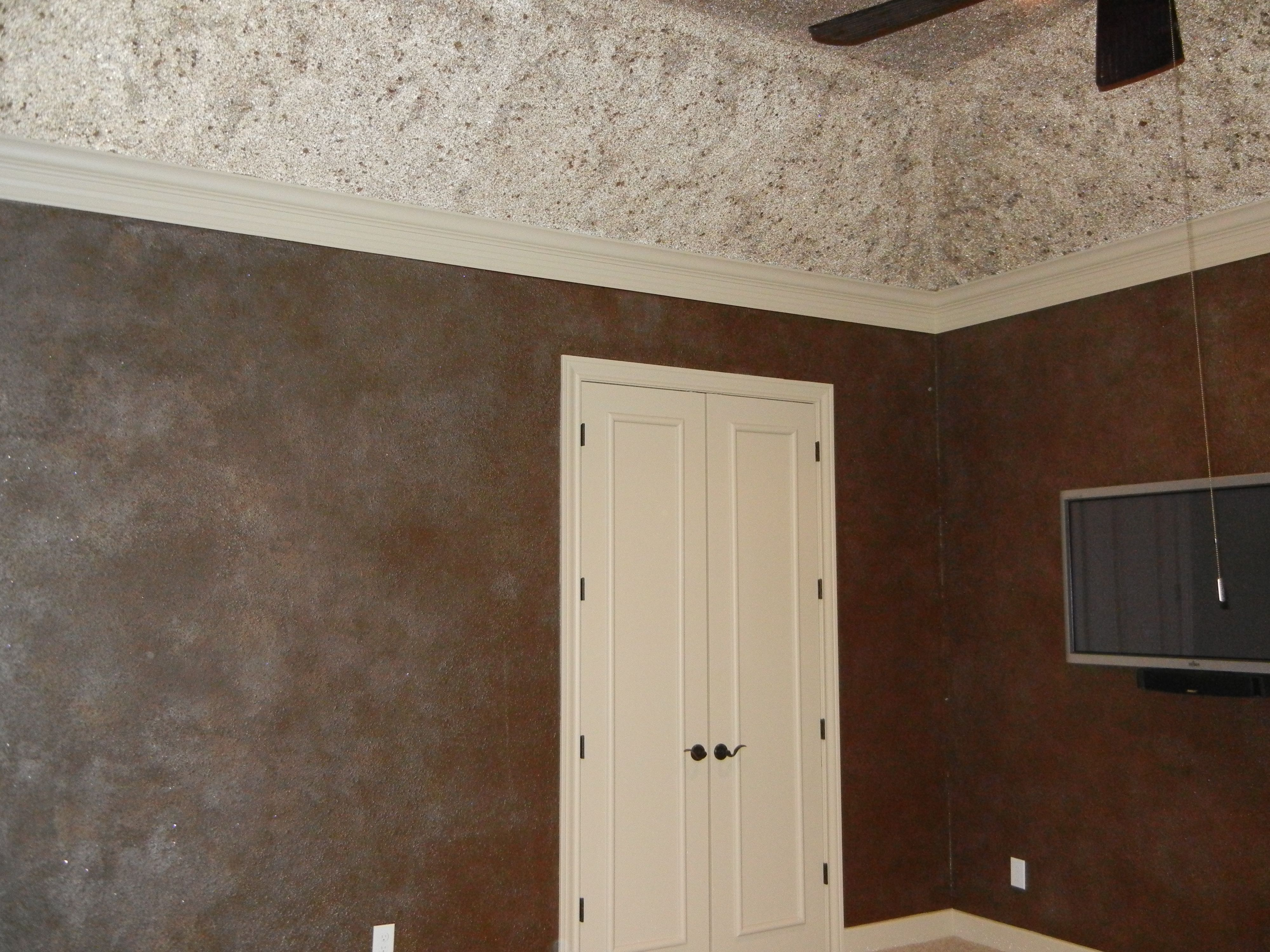Glass bead, glitter and mica flake finish on ceiling and a two glaze with  glitter