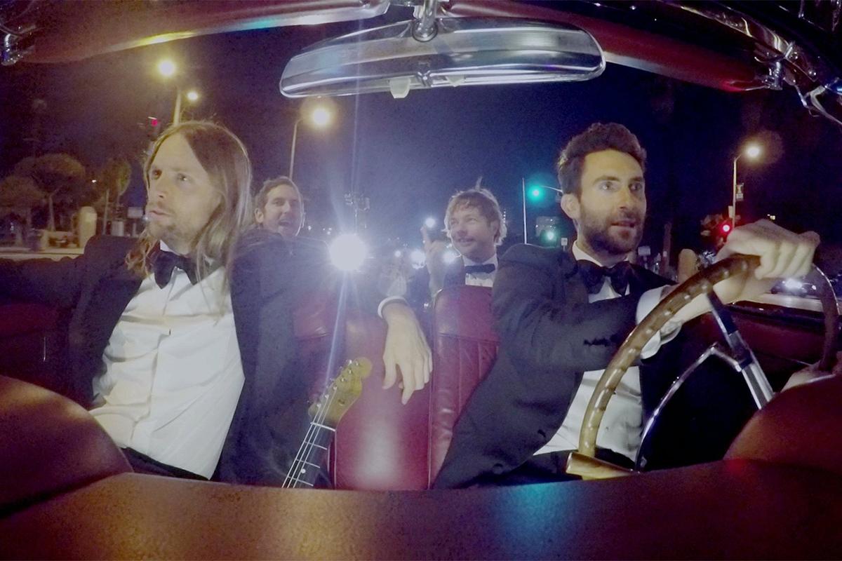 #Maroon5 se mete en bodas ajenas. No te pierdas su nuevo #video aquí #Maroon5sugar