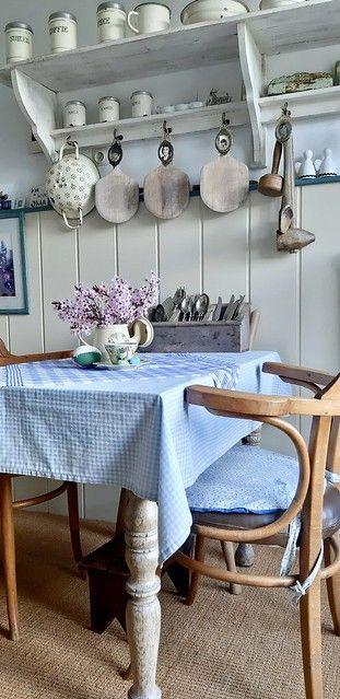 Binnenkijken bij de 85-jarige mevrouw Wies | Landelijk brocante keuken #dewemelaer #landelijkbrocante #binnenkijker #nevertooold