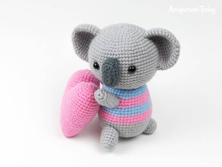 Amigurumi koala with heart pattern | Free pattern | Pinterest ...