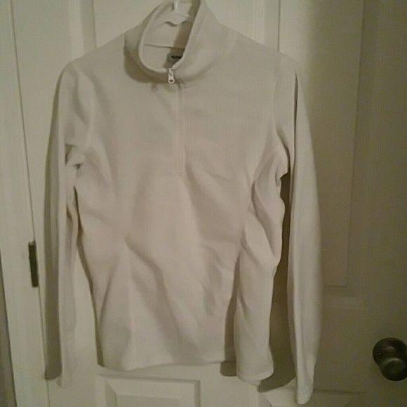 3/4 zip Old Navy fleece 3/4 zip Old Navy fleece. Size S. I bundle with a discount Old Navy Tops Sweatshirts & Hoodies