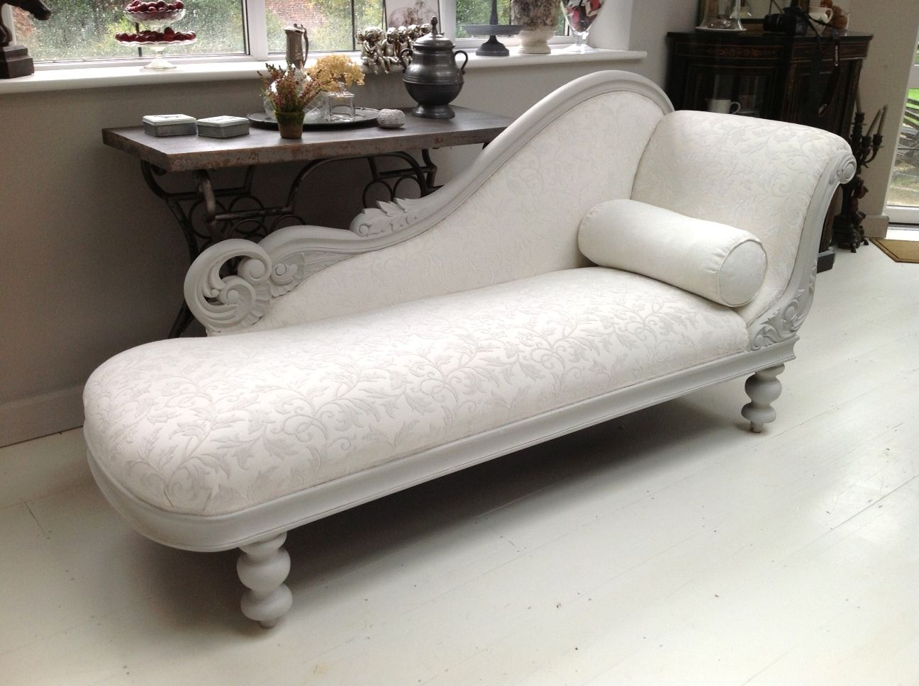 A Dazzling Chaise Longue Painted In Annie Sloan Chalk Paint Paris Grey With White Damask Upholstery At No44home Couch With Chaise Furniture Bedroom Furniture