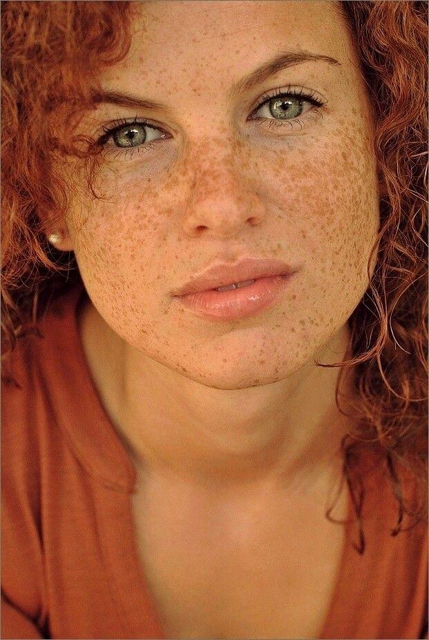 God Help Me I Love Red Heads & Freckles.!!! Occhi stupendi