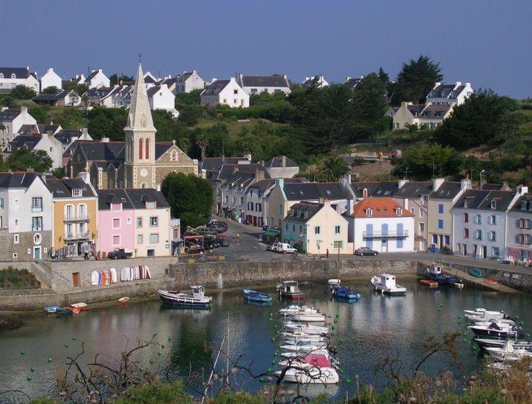Sauzon Photo Commune De Sauzon La Plus Belle Facon De Decouvrir Ce Ravissant Port De Peche Veritable Village Belle Ile En Mer Bienvenue En France