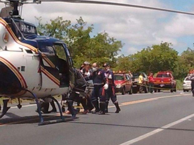 #News  Dois carros batem de frente e três pessoas morrem na BR-135 Confira mais em http://minashoje.com/2017/02/dois-carros-batem-frente-tres-pessoas-morrem-na-br-135/