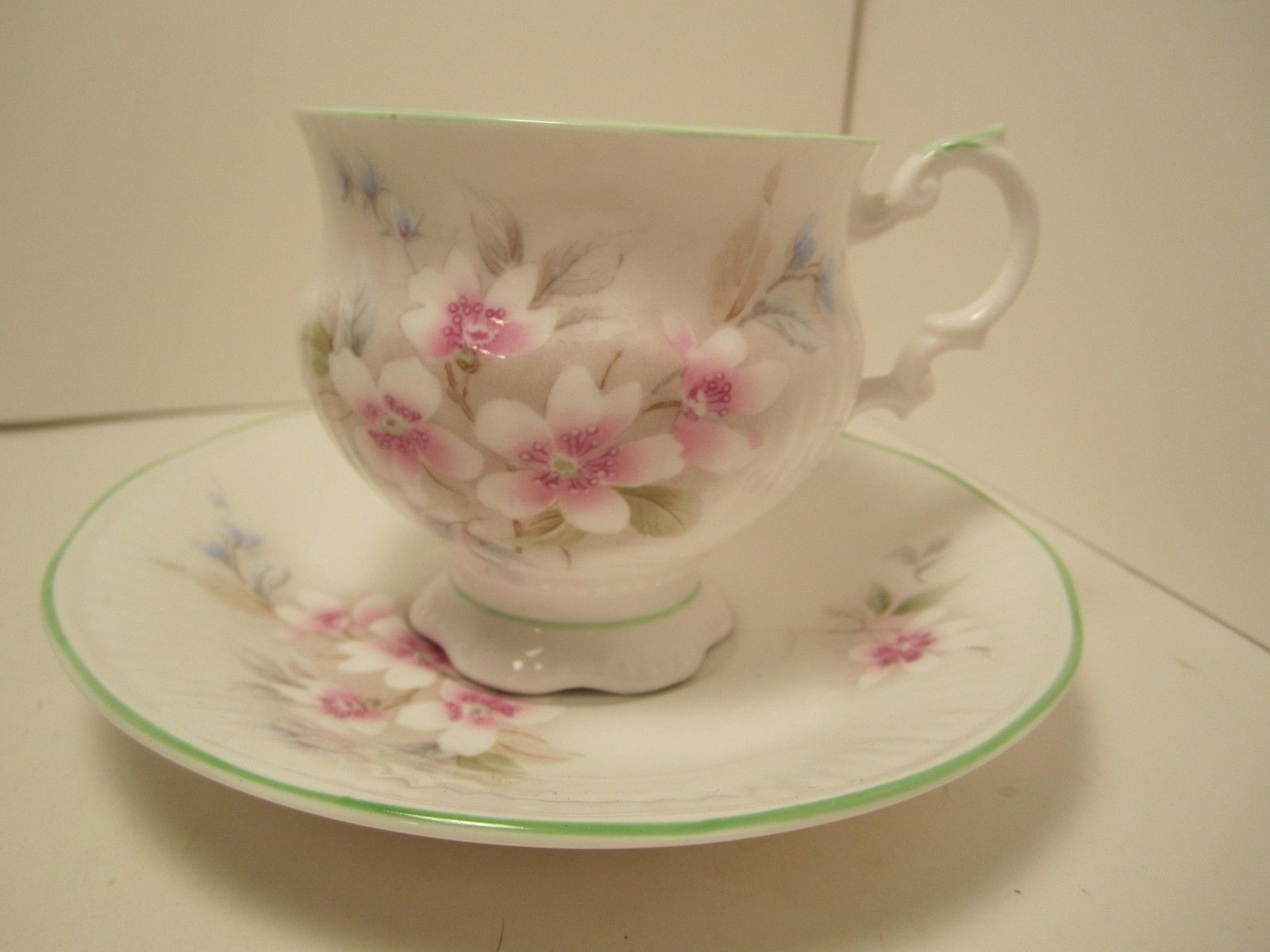 Royal albert bone china tea cup amp saucer winsome pattern ebay - For Sale Today This Pretty Elizabethan China Tea Cup Saucer White With Pink Flowers And