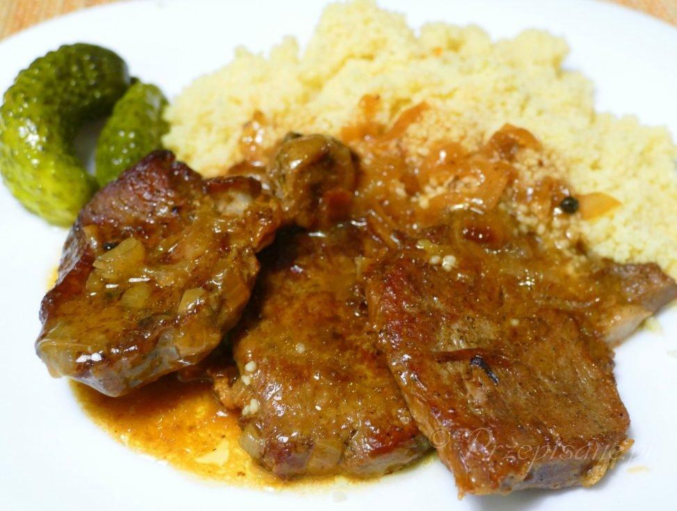 Karkowka W Plastrach Z Gestym Sosem I Kasza Kuskus Przepisane Pl Przepisy Kuchni Polskiej Slaskiej I Swiata In 2020 Food Steak Meat