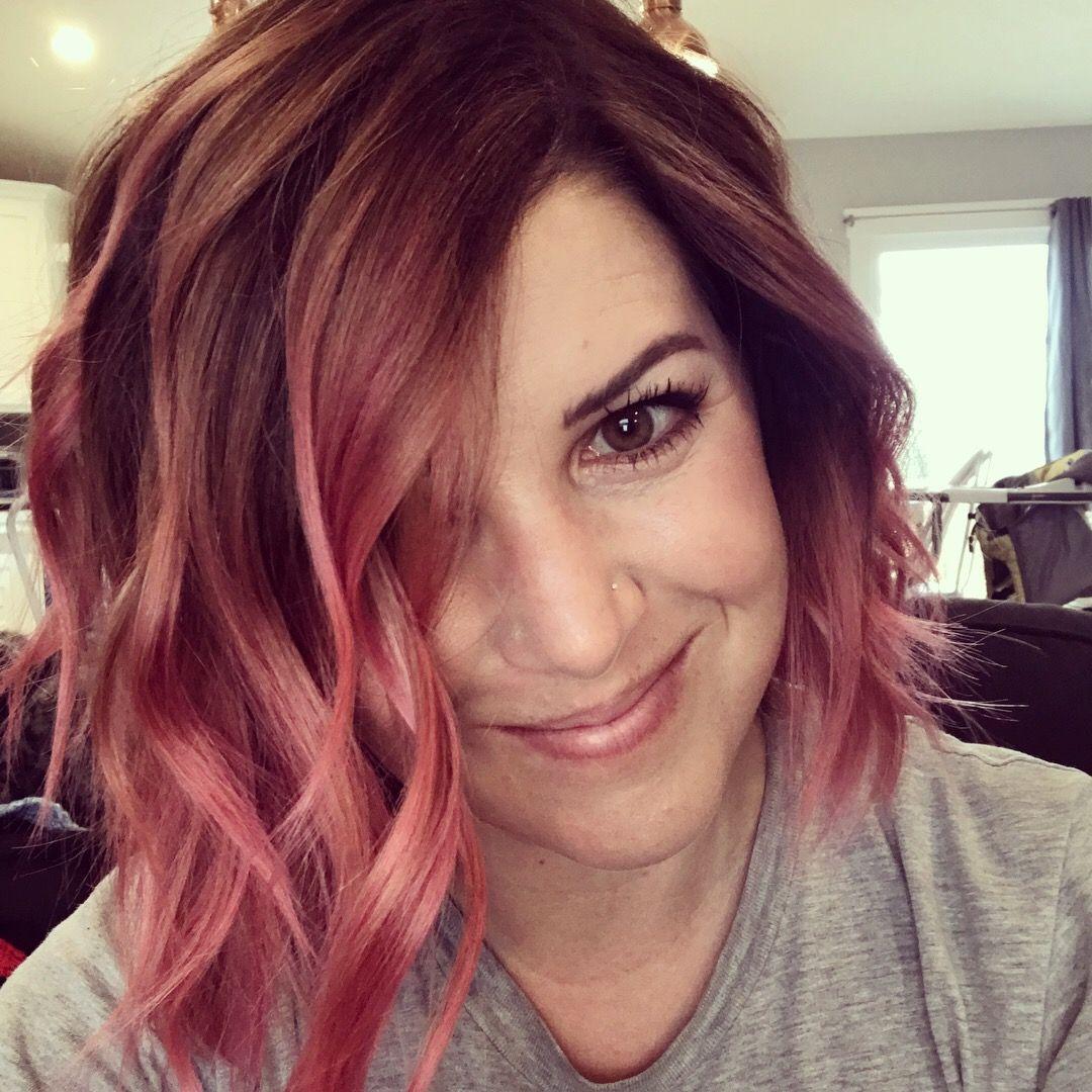 Pink rose gold Overtone balayage ombré hair 👩🏻🎤 | Short hair balayage, Short hair styles, Hair ...