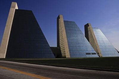Indianapolis Architecture, Renowned architects Roche-Dinkeloo & Associates  designed The Pyramids for form and