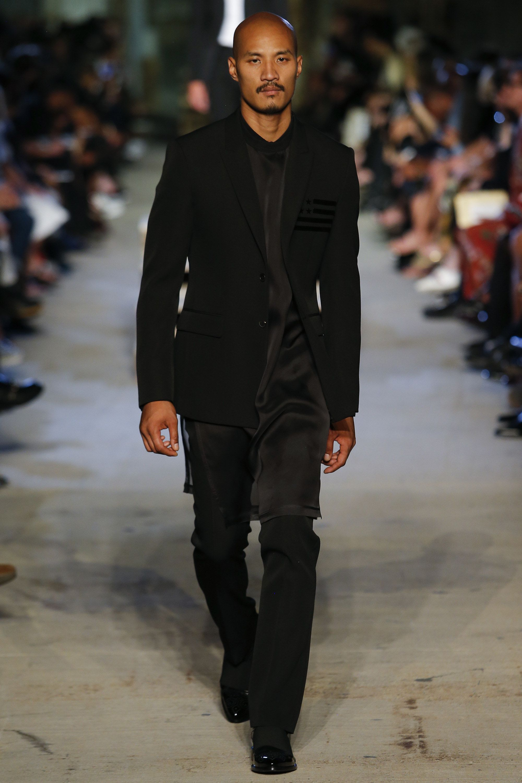 97ba324d7f9 Givenchy Spring 2016 Ready-to-Wear Fashion Show - Mariacarla Boscono